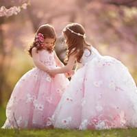 vestido de vestido de los mejores niños al por mayor-Vestidos de lujo para niñas pequeñas Vestidos con apliques Joya Escote Barrido Tren Tul Vestido de niña de flores Vestido de bola El mejor bebé Rosa Vestidos de niño