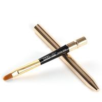 tipo de balas al por mayor-1 unids Bullet Lip Make Up Brush Gold Silver Nylon Hair Mango de Plástico Moda Portátil Pen-type Brushes Cosmetic Tools 2017