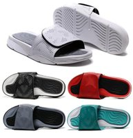 Nouveau Retro 5 Hydro Dots Pantoufles Hommes Noir Blanc Fire Red Slides Pantoufles Summer Beach 5s Casual Fashion Sandals Haute Qualité Avec Box
