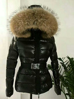 abrigo de piel para mujer al por mayor-Chaqueta de invierno Cálido abrigo engrosamiento Ropa para mujer capucha de cuello de piel de mapache real TATIE abajo chaqueta