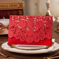yeni varış düğün davetiyeleri toptan satış-Yeni Varış Kırmızı Çiçek Lazer Kesim Düğün Davetiyeleri Kişiselleştirilmiş Özelleştirilmiş Baskı Düğün Davetiyeleri Kartları Düğün Iyilik Için