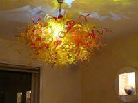 araña de cristal amarillo al por mayor-Longree Style Art Yellow and Red Chandelier Glass para Home Hotel Decor Glass Material Modern LED Customized Chandelier