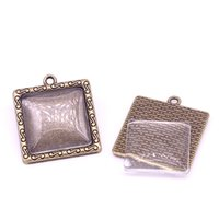 Минимальный заказ 10sets Antique Bronze Square 25 * 29mm (Fit 20 * 20mm dia) Подвесные заготовки Fit Jewelry Making Charms + Clear Glass Cabochons A4704-1