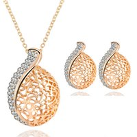 jóias de ouro china direta venda por atacado-(1 par stud stud earrings + 1 colar) moda fine gold oco mulheres conjunto de jóias direto da fábrica banquete jóias