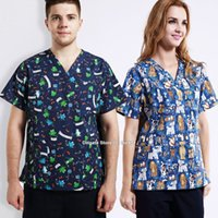 42324be92 Mulheres homens hospital clínica médico workwear matagal conjunto de  animais print robe médico roupas beleza dental roupas médicas enfermeira  uniforme top + ...