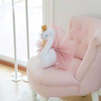 ingrosso le corone della bambola-Carino 3D Golden Crown Swan Wall Art Hanging Girl Swan Doll Peluche Animal Head Wall Decor per la camera dei bambini Regalo di nozze di compleanno