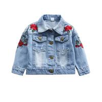 jaqueta jeans jaqueta venda por atacado-Meninas do bebê Rose Flor Bordado Denim Jacket Jeans Jeans Casacos para a Menina Da Criança Do Bebê Denim Jaquetas Meninas Jean Jaqueta 1-3 T