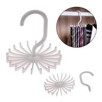 lazos blancos para la venta al por mayor-Venta caliente de alta calidad de plástico blanco Tie Rack gancho giratorio Tie Holder 1 pieza tiene 20 corbatas / cinturones / bufandas suspensión