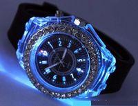 glühender kristall führte großhandel-LED-Licht-Glühen-Genf-Uhrdiamantkristallstein führte helle Uhr unisex Silikongelee-Süßigkeit, die oben Uhr-Sphen-Sport-Uhren durch DHL aufblitzt