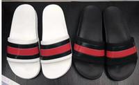 kaymalar toptan satış-YENI Tasarımcı terlik Dişli altları erkek çizgili sandalet nedensel Olmayan kayma yaz huysuz terlik terlikler terlik EN İYI KALITE