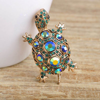 Wholesale-Blucome Rhinestone Green Turtle Broche Pin Antiguo Oro Plaqué Vintage Tortuga Broches Niños Regalo Animal Suéter Hijab Pins