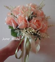 fotos blumenstrauß großhandel-Schöne Pfirsich Rose Brautstrauß 18 Blumen Real Photo Hohe Qualität Braut Wurf Blume Grüne Blätter Hochzeit Brautjungfer Bouquet mit Bändern