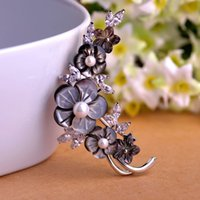 Wholesale Sea Pearl Jewelry Set - Wholesale- Luxurious Natural Sea Black Lip Shell Flower Brooch White Pearl Jewelry Crystal Prong Setting Rhinestones Brooches For Women Pin