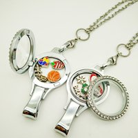 Atacado 2pcs / lot Twist Open Floating Locket Lanyard + Magnetic Open Charm Lanyard Identificação Nome Badge Holder + 100pcs Sem encantos duplicados