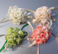 corsage armbänder großhandel-2017 Real Boutonnieres Hochzeit Prom Handgelenk Corsage Mit Armband Braut Blumen Dekorative Blumen kränze Kostenloser Versand