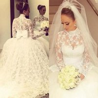 robes de mariée en dentelle robe de bal manches achat en gros de-Vintage col haut Full Lace Robes de mariée princesse pure cou manches longues robes de mariée Retour Bow robe de bal robes de mariée