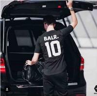 hommes s t shirts football achat en gros de-Marque Tee Europe T-shirt en coton de rue all-match anglais de la rue alphanumérique anglaise