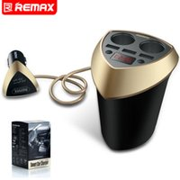 100% Original Remax Cup Car Charger Cigarette Lighter Voltage Display Cigarette Lighter Plug Socket Splitter para telefone GPS 3 USB Carregador de carro