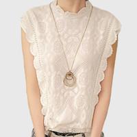 vintage kolsuz dantel bluzlar toptan satış-Beyaz Dantel En Kolsuz Gömlek Kadın Yaz Vintage Blusa Feminino Tığ Casual Gevşek Kadınlar Bluz Tops Bluzlar Için