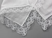 ingrosso fazzoletti di pizzo-Elegante fazzoletto di pizzo bianco fazzoletto donna regali di nozze decorazione del partito tovaglioli di stoffa fazzoletto in bianco fai da te fazzoletto 25 * 25 cm