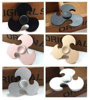 Hot Relieve Stress Hand Spinner Bambino Adulti Finger Toy.Triangle Forma Axe Spinning Top Metallo Argento Nero Fidget Spinners Personality