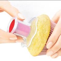 pasta pastası toptan satış-Plastik Mutfak Cupcake Muffin Kek Tart Piston Pasta Dekorasyon Kesici Modeli Aracı Rastgele Renk Kek Araçları