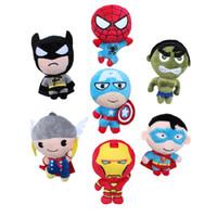 örümcek adam malzeme oyuncakları toptan satış-Avengers Peluş Oyuncaklar Superman Batman Spiderman Hulk Kaptan Amerika Thor Dolması Peluş Oyuncak Marvel Avengers Anime Peluş