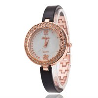 Wholesale Ladies Bracelet Watch Fashionable - Set auger luxurious and elegant ladies watch supply of goods Quartz bracelet watch girls Fashionable Europe and the United States watch