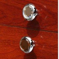 braune glasknöpfe großhandel-moderne einfache Glas Schublade Schrank Knöpfe zieht braun klar Kristall Kommode Küchenschrank Türgriffe Knöpfe Silber Chrom Knopf