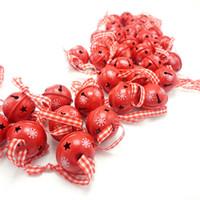 árvore de natal dos sinos de tinir venda por atacado-Decoração de natal dos desenhos animados 40 pcs metal vermelho floco de neve jingle bell enfeite de natal para casa 30mm decoração do partido pingente de árvore