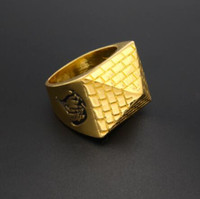 Barato Anéis De Ouro Dos Homens Legal-New Arrival Cool Pyramid Modelo Mens Retro Style Gold Color Ring Wipe Black Pattern Hip hop Moda 8-11 Rings Drop Shipping