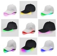 ingrosso cappelli del partito principale-Berretti da baseball LED Berretti da baseball luminosi in fibra ottica di cotone brillanti LED Bagliore in cappelli luminosi snapback regolabili neri Cappellini luminosi Snapback