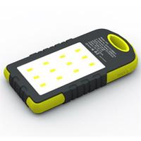ingrosso batteria per cellulari-Solar Power Bank Dual USB Powerbank 8000mAh Batteria esterna Caricabatteria portatile con lampada da campeggio a luce LED per cellulare