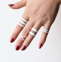 Vente en gros - 2017 Nouveau antique blanc 4PCS / Lot Midi Mid Knuckle Ring Set Vintage unique punk sculpté Totem Lucky Rings Femmes Hot Bohemian # 2331