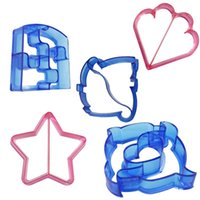 Wholesale star cutter cookies - Sandwich Cutter Mold Plastic Animal Star Heart Shapes Cake Bread Toast Cookie Mould Spell The Graphics Baking Tool