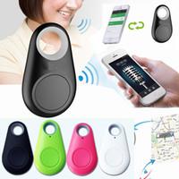 etiquetas inalámbricas al por mayor-Buscador inteligente Key Remote Shutter Wireless Bluetooth Tracker Anti pérdida de alarma Smart Tag Bolsa para niños Mascotas Localizador de GPS itag para Android iOS DHL gratis