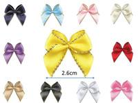 embellissement applique achat en gros de-100pcs mini or / argent bord métallique ruban de satin Bow pour embellissement à la main emballage Bow Applique
