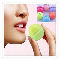 natürliche kugelkugel großhandel-Neue 3D Lippenbalsam Runde Ball Make-Up Lippenstift Feuchtigkeitsspendende Natürliche Pflanzliche Kugel Obst Lippenpomade Glanz Verschönern Lippenpflege Werkzeuge Kostenloser Versand