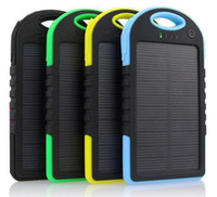 Hot Waterproof Solar Power Bank 20000mAh Chargeur portable Travel Enternal Battery Powerbank pour Xiaomi Iphone 5S 6 4S HTC Sumsang