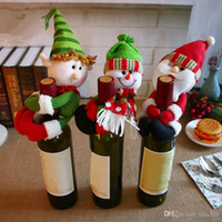 decoration snowman achat en gros de-NOUVEAU XMAS porte-bouteille Rouge Bouteille de Vin Couverture Sacs Hug Père Noël Bonhomme De Neige Dîner Table Décoration Maison De Noël Parti Décors IC554