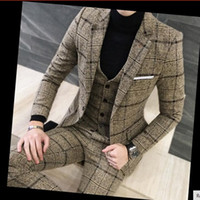 ingrosso tuxedos grigi designer-Abiti da uomo 3 pezzi Ultimi disegni del cappotto del cappotto britannico Royal Blue Mens Suit Autunno inverno spessa Slim Fit plaid abito da sposa smoking