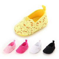 Wholesale Crochet Cute Baby Shoes - Girls Shoes Autumn Lace Knit Baby First Walkers New Lace Hollow Out Infant Princess Shoe Cute Toddler Flat Shoeses Crochet Shoes C1620