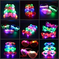 Clignotant LED Blind Spiderman Obturateur LED Clignotant Lumière vers le haut Glasses Masque de danse Cosplay Cheer Props Halloween Christmas Party bar Supply