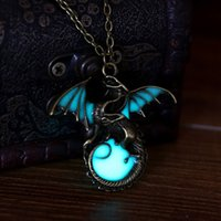 bijoux en bronze anciens achat en gros de-Game of Thrones Glow in the Dark Dragon Pendentif Collier Ancient Silver Bronze Dragon Pendentifs Fluorescence Jewelry for Women Hommes 162430
