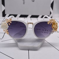 Wholesale flower drive for sale - Group buy fashion baroque summer wind beach flowers angel sunglasses women sunglasses anti ultraviolet women driving shades eyewear