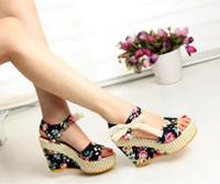 talons hauts coins arcs achat en gros de-Chaussures pour femmes Sandales pour femmes Coins estivaux Sandales pour dames Plate-forme Ceinture en dentelle Bow Tongs à bout ouvert à talons hauts