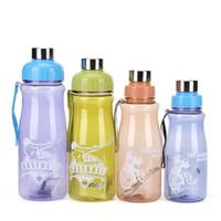 wärmender wasserbeutel großhandel-Reise Raum Tasse Candy Farbe Kunststoff Wasserflasche Mit Lift Seil Auslaufsicher Camping Trinken Werkzeuge 6 3sj C R