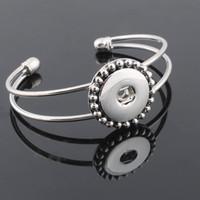 charme für armbänder eine richtung großhandel-Großhandelsmetallknopf BraceletBangles 18mm Druckknopfschmucksache-Frauen silbernes Armband mit Charme eine Richtung ZE156