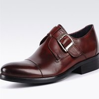 erkekler için burunlu ayakkabı toptan satış-2017 erkek Moda Elbise Ayakkabı Resmi Düğün Parti Hakiki Deri Sivri Toes Ayakkabı Toka Askı Ayakkabı Siyah Kahverengi