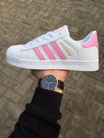 ingrosso colori di appartamenti-Nuovi colori sconto del marchio prcie uomini donne piatto fondo piatto vendita diretta colori business scarpe superstar scarpe casual paio scarpe # 628